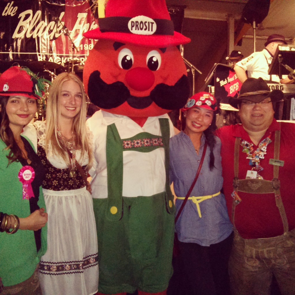 Oktoberfest 2013 - chilling out with Hans and random dude.